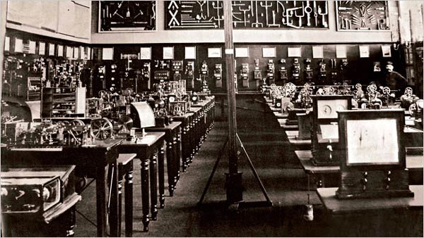 La sala de telégrafos en el Mundaneum. Mons, Bélgica